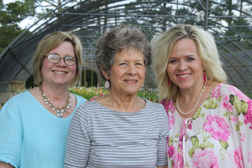 Shirley Shofner and daughters Sheila & Holly
